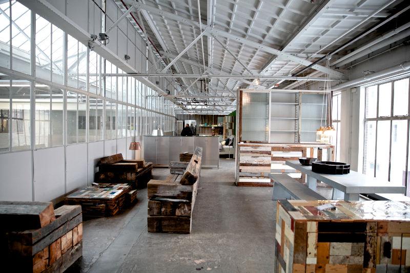 Design Meubels Eindhoven.Showroom Piet Hein Eek Sloophouten Meubels Designstudio Jantien