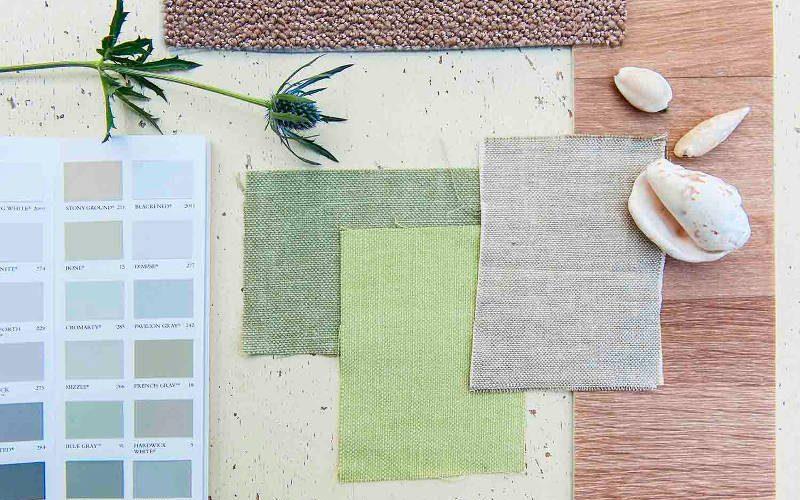 Moodboard me stalen van duurzame interieurmaterialen, duurzame stoffen, verf voor duurzaam woonontwerp