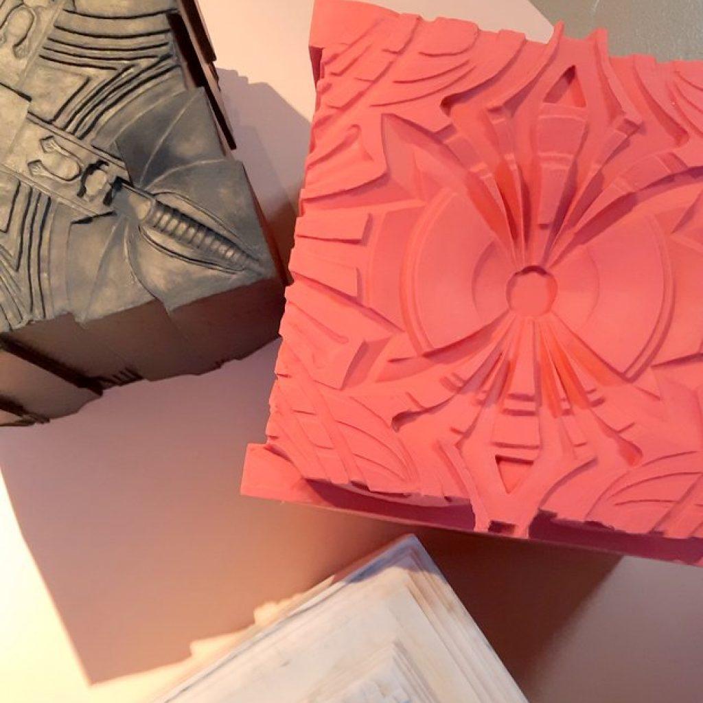 Nynke Koster exposeert haar interieur-kunst-objecten