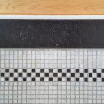 Tijdloze badkamer mozaiek vloer