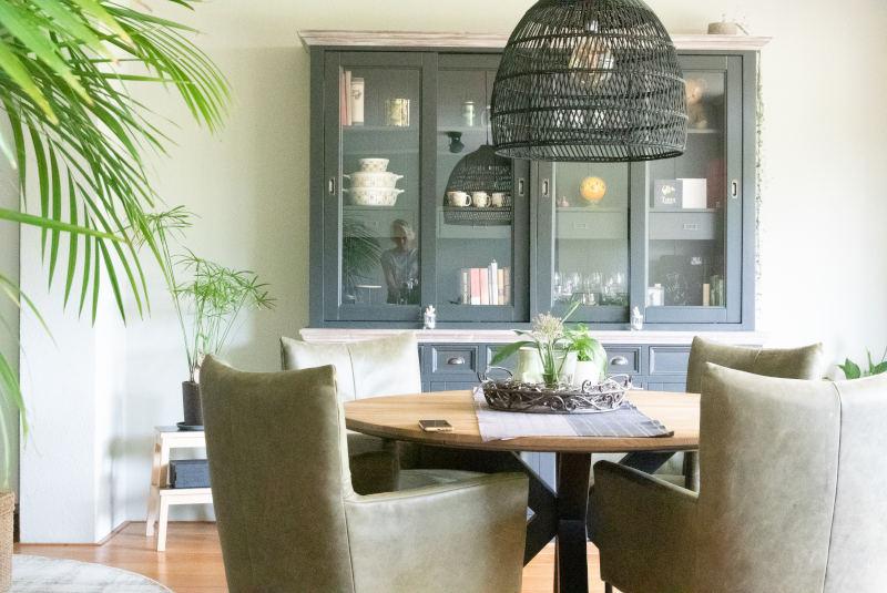 industriële kast zwart, kleur groen in huis, flitsadvies in Beek Gelderland