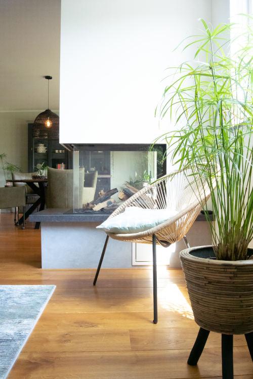 Driezijdige haard, openhaard, woonkamer, interieur flitsadvies, indelingsplan woonkamer